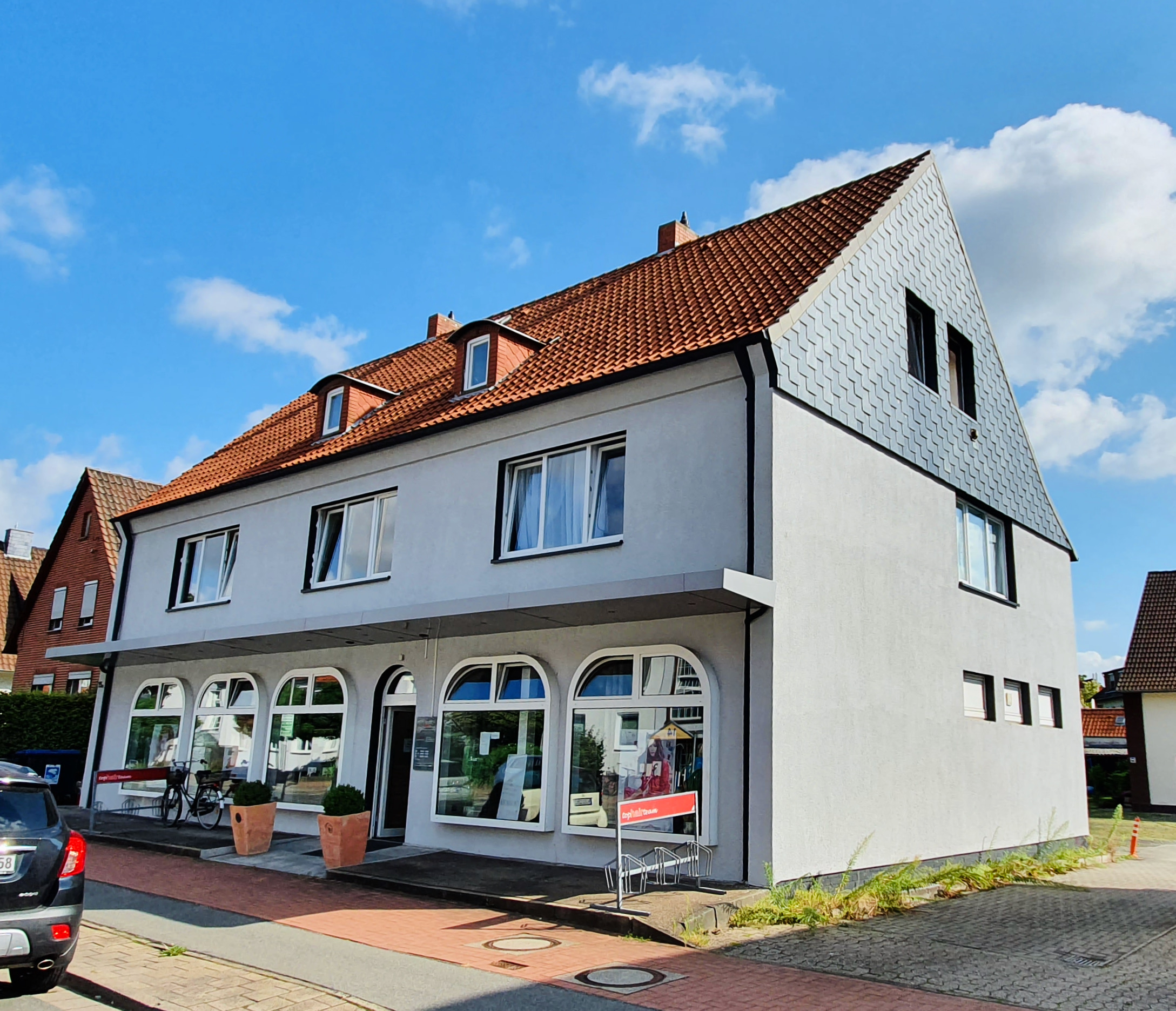 """Featured image for """"Wohn- und Geschäftshaus"""""""